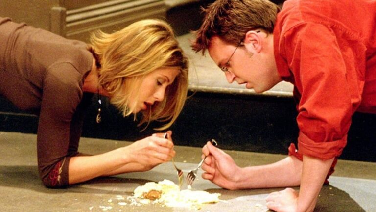 «manger-aliment-au-sol-5-secondes»
