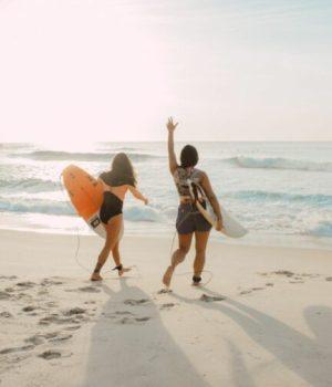 amies-plage-surf