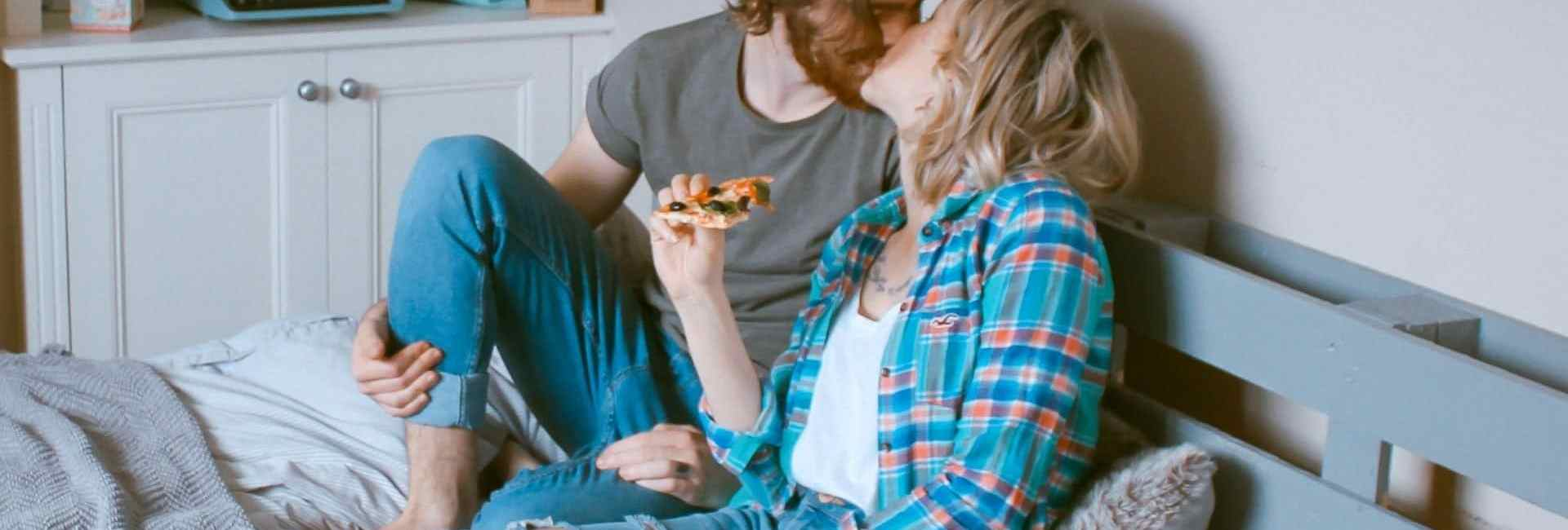 Couple pizza