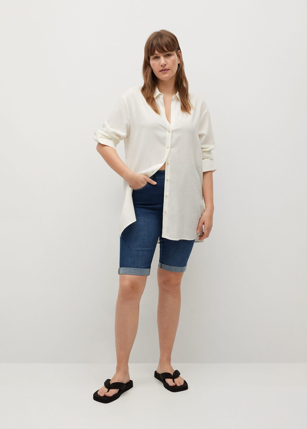 Bermuda en jean slim-fit, Violeta, 39,99€.