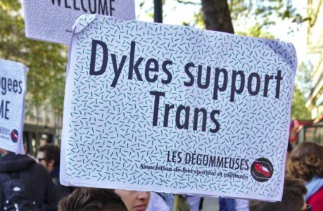 dykes support trans – les degommeuses – CC-BY Missbutterfly