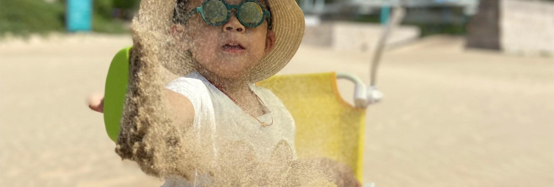 enfant-plage-sable