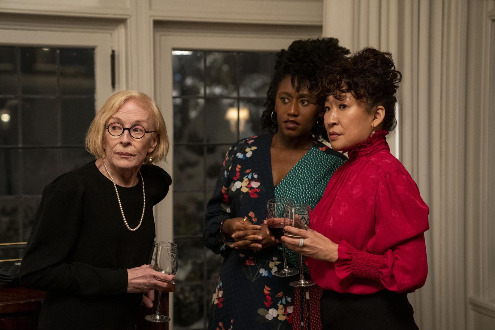 Les brillantes Holland Taylor, Nana Mensah, et Sandra Oh dans The Chair (Netflix), copyright ELIZA MORSE/NETFLIX