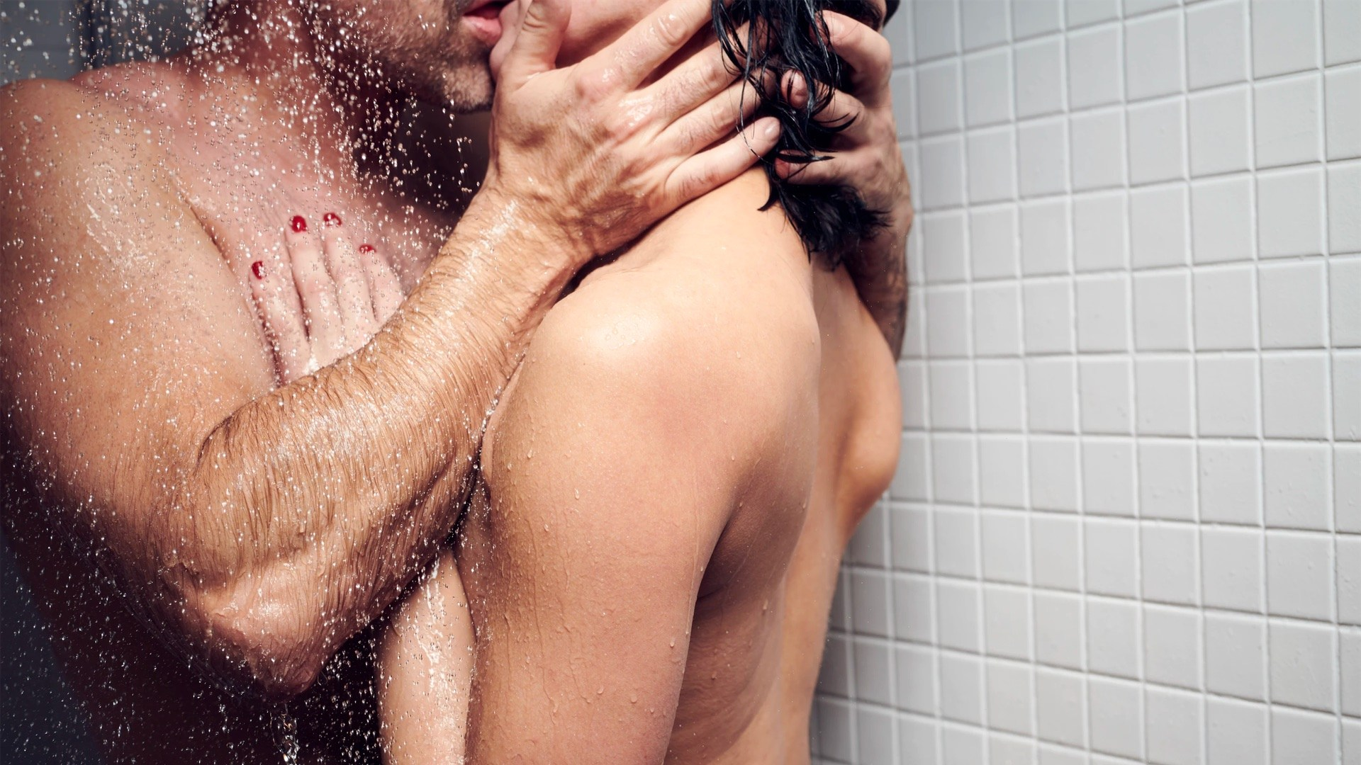 couple-sexe-douche