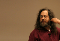 Richard Stallman s'en prend aux e-books et s'attaque à Amazon