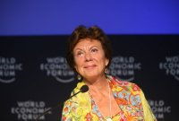 Neelie Kroes critique l'obsession du copyright