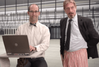 Insolite : John McAfee montre comment désinstaller McAfee Antivirus