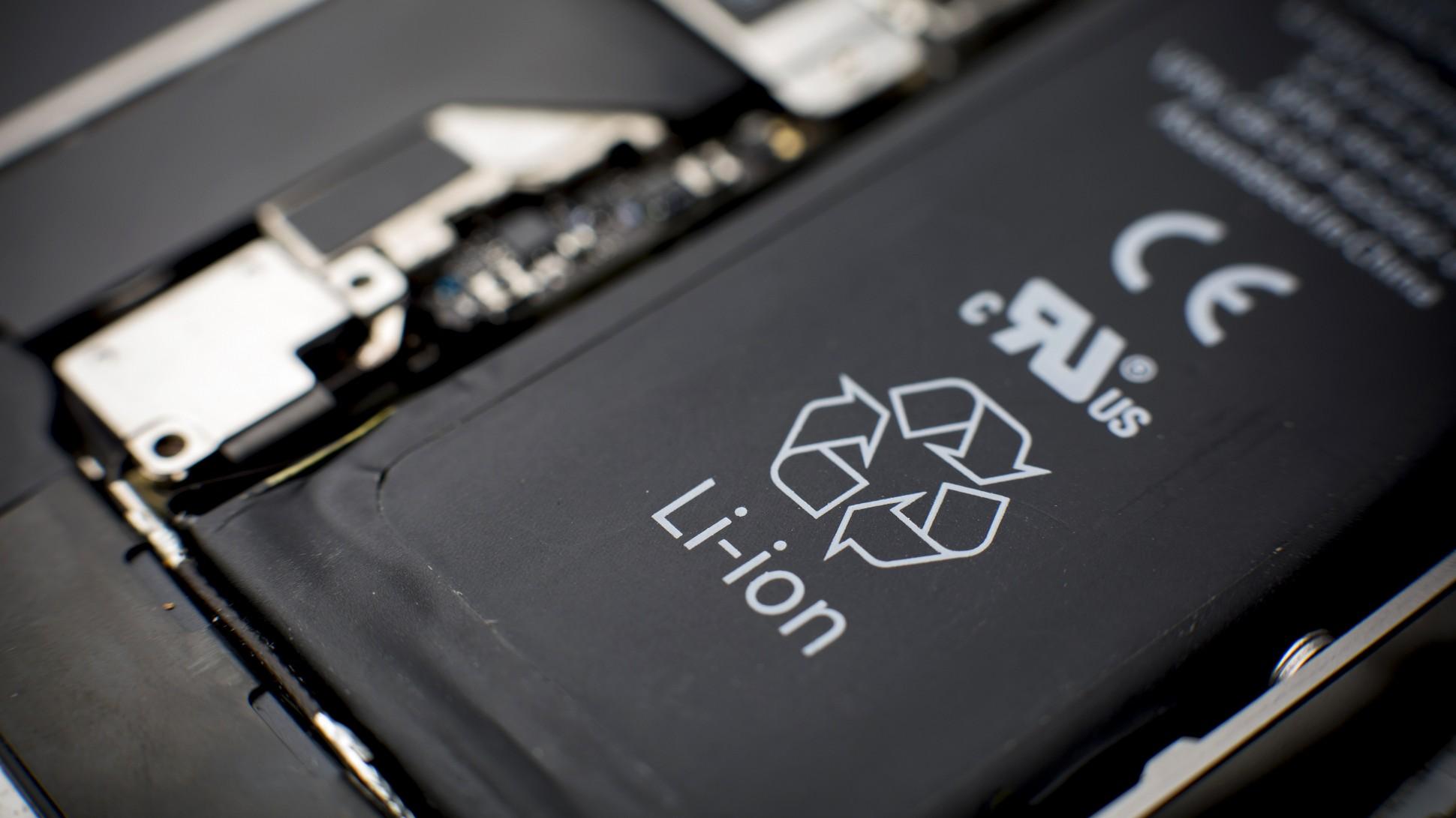 Batteries lithium ion : pourquoi explosent elles quand on