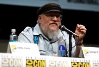 George R. R. Martin sort un nouveau livre mais Game of Thrones attendra
