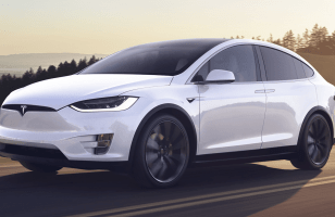 Accident mortel en Tesla Model X : la famille de la victime porte plainte