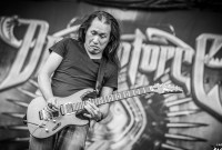 Twitch bannit le guitariste de DragonForce parce qu'il jouait... du DragonForce